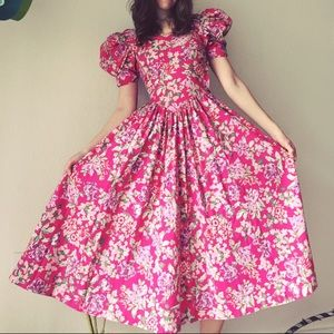 Vintage Floral Dress!!